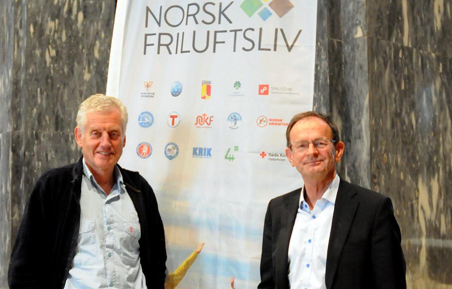 Erling Lae tar over stafettpinnen som styreleder i Norsk Friluftsliv, etter Dag Kaas.
