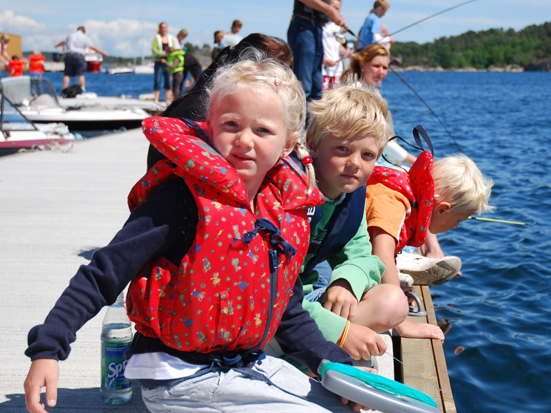 fiskende barn